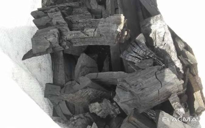 Уголь древесный (дуб, ясень) в бумажных и п/п мешках